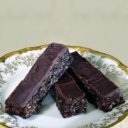 levana-cooks-chocolate-peanut-butter-bars