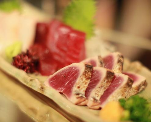 Sliced-Seared-Tuna-LevanaCooks