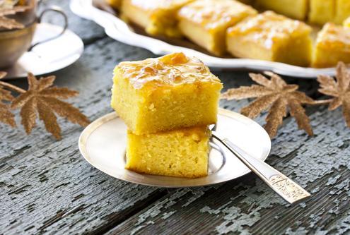 Semolina almond cake