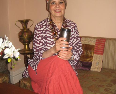 levana-cooks-tea-mug