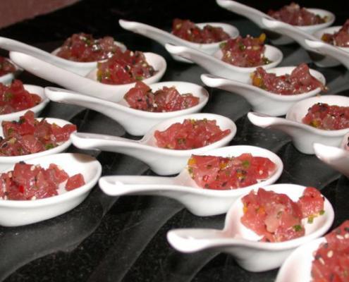 levana-cooks-tuna-tartare-tuna-tartar